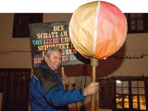 """""""Der Brauch ist mehr als 170 Jahre alt"""", berichtet Pumameister Ronald Rettenberger."""
