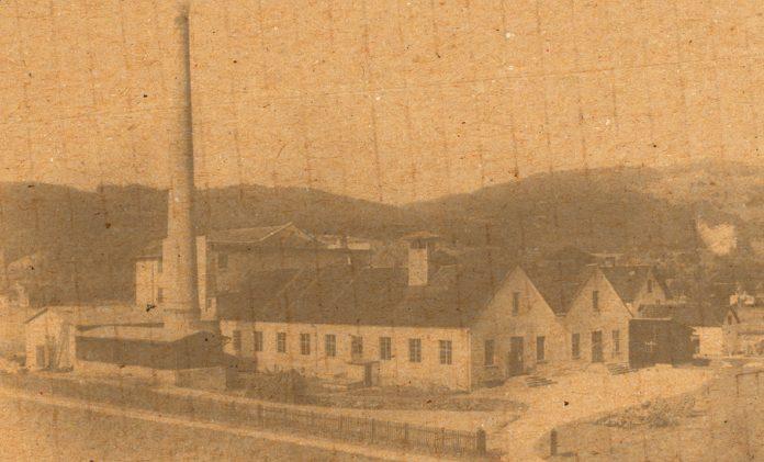 Die Vorarlberger Papierfabrik kurz nach der Fertigstellung im Jahr 1912.